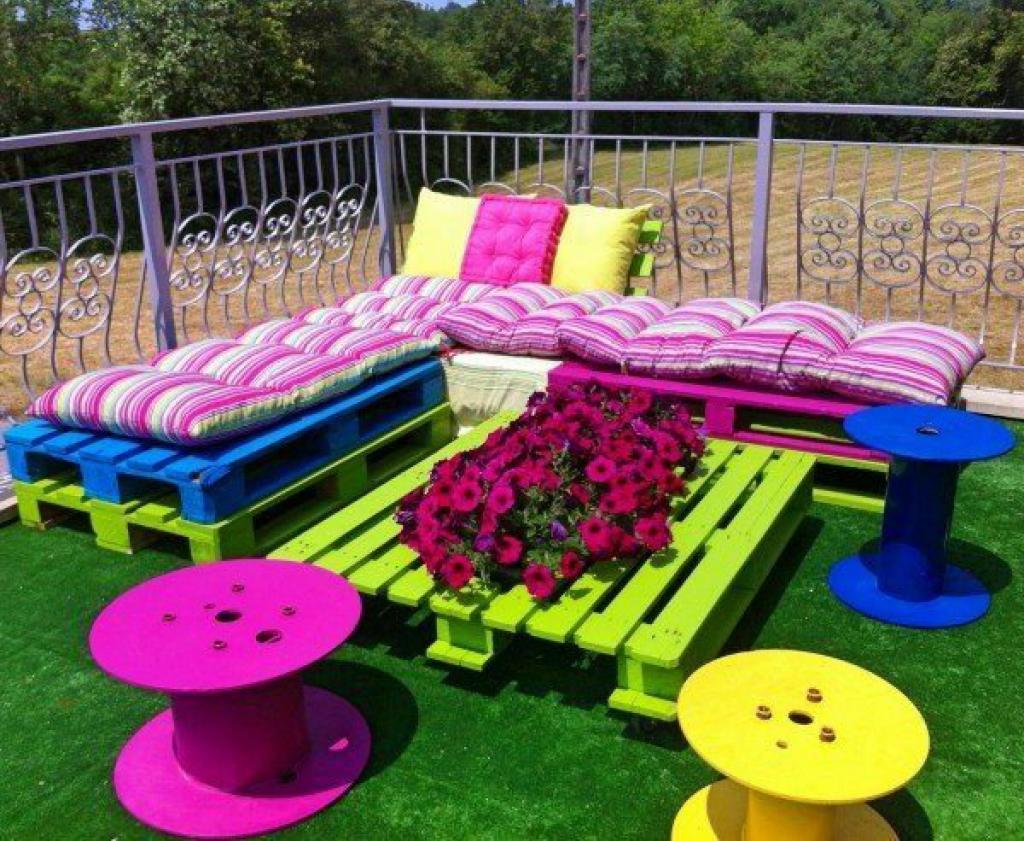 14 idées colorées pour transformer des palettes de bois cet été
